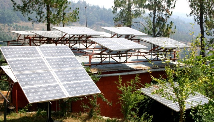 Solar panels installed in Uttaranchal (Image by Barefoot photographers of Tilonia)