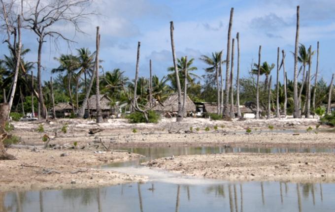 Effects of coastal erosion and drought in Eita, Tarawa island, Kiribati