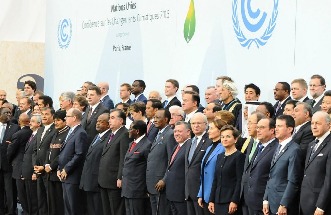 Heads of government at the start of the climate talks on Nov 30. The legal nature of the treaty is likely to be one of the dominant themes this week as environment ministers try and make progress on a draft text. (Image by Flickr de UNFCCC)