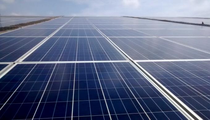 Solar panels (Image by Juhi Chaudhary)
