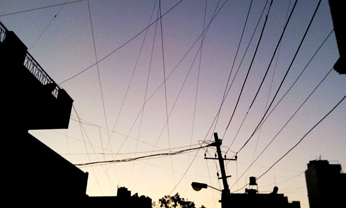 A tangled web of wires typifies the electricity subsidy situation in India (Image by Nicolas Mirguet)