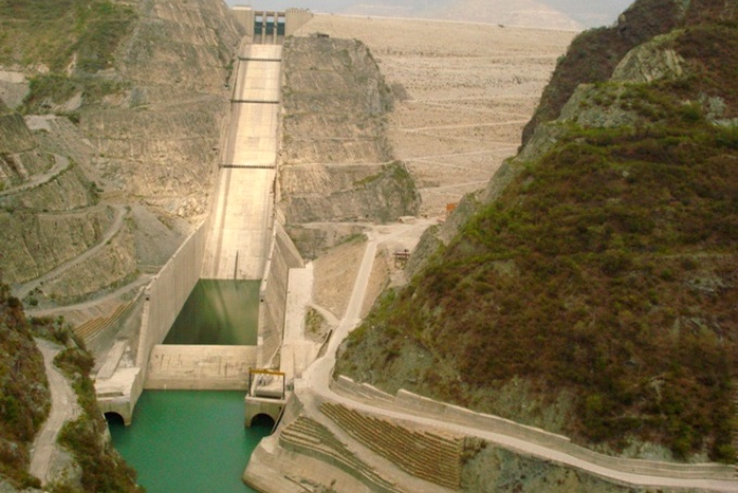 Abnormally low levels of water have brought down the energy content of Tehri dam to just 205 million units (MU) from the earlier 1,921 MU. (Image by Arvind Iyer)