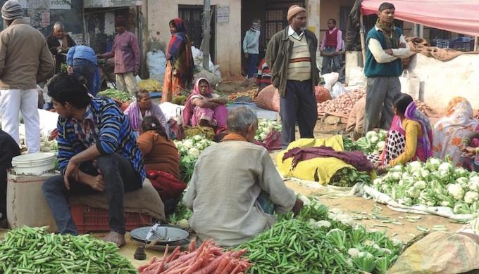 A farmers' market in Gorakhpur. (Photo by GEAG)
