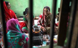 India's solar women win UN climate award
