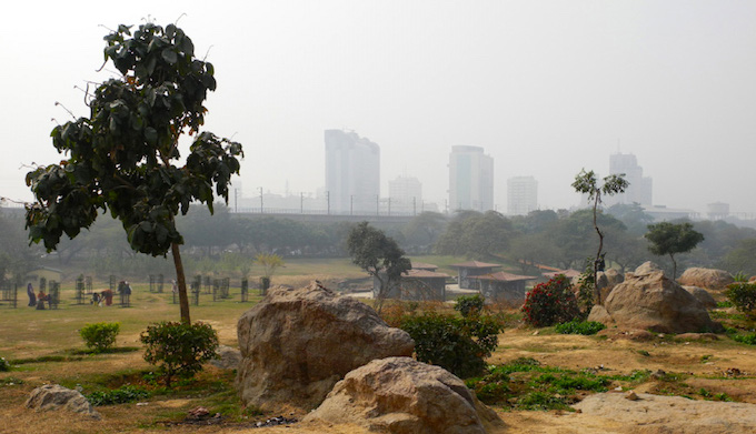 Air pollution has reached alarming proportions in New Delhi. (Photo by Axel Drainville)
