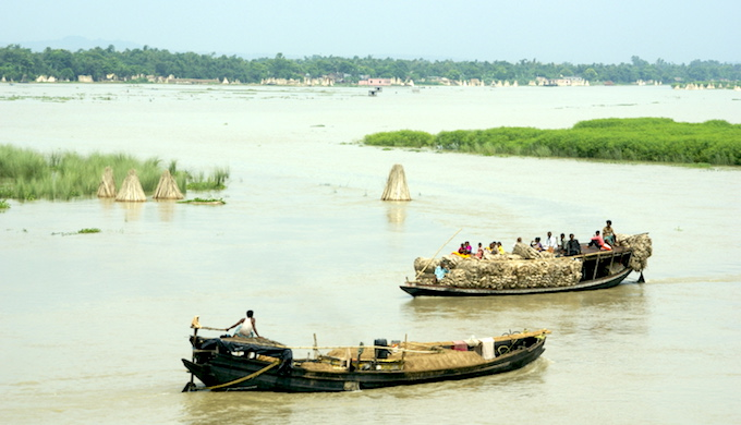 The flooded Ganga River near Farakka Barrage in West Bengal. (Photo by Sarah Jameson)