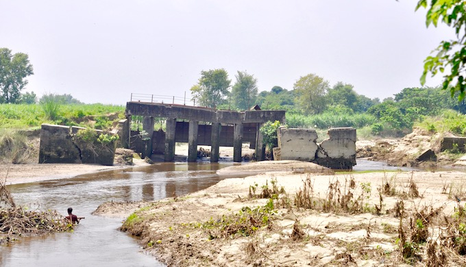 The heavy rainfall in the Terai region caused a heavy rush of water in the smaller rivers of north Bihar (Photo by Preeti Singh)