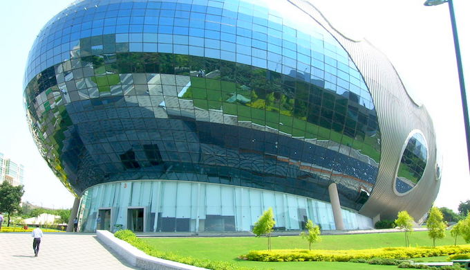 The Infosys campus in Pune. The software giant is a trendsetter in controlling carbon emissions in India (Photo by Flickr)