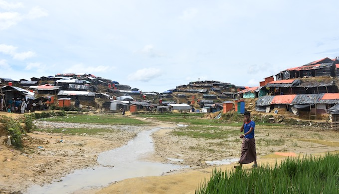 A Rohingya refugee camp in Moinar Ghona in Cox's Bazar district of Bangladesh. More than half a million Rohingya people have newly arrived in Bangladesh from Myanmar since August 25 this year (Photo by Zobaidur Rahman)