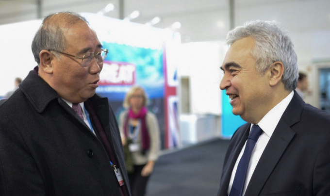 Xie Zhenhua, China's special representative for climate change affairs and Dr Fatih Birol, executive director of the IEA at the UNFCCC climate talks in Bonn [image courtesy: IEA]