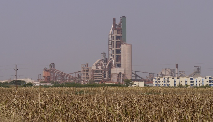 Researchers say the energy efficiency of dry cement plants in India has gone up over the years and currently they operate very close to the global best available technologies. (Image by Heatheronhertravels.com)