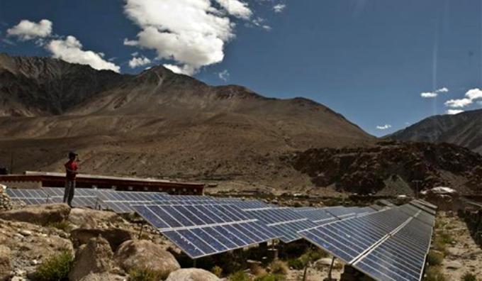 Solar panels in Ladakh, India (Image by Harikrishna Katragadda)