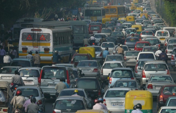 India will add 250 million cars, 185 million 2 and 3 three-wheelers and 30 million trucks and vans to its roads by 2040 (Image by Lingaraj GJ)