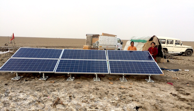 Saltpan farmers are using solar-powered pumps to reduce production costs. (Photo by SEWA)