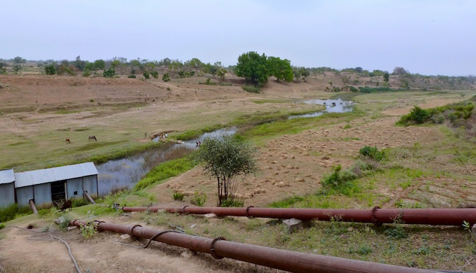 Years of inadequate rain has reduced the Baghain river in Bundelkhand to a sad trickle, and the lift canal in the Narayani block of Banda district runs mostly dry.