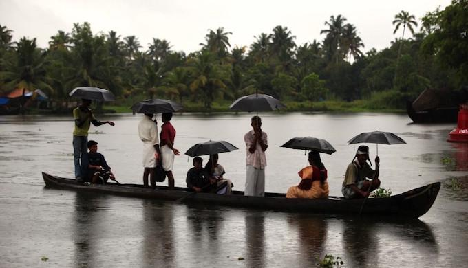 Showers in Kerala mark the start of the rainy season (Image by Tom Olliver)