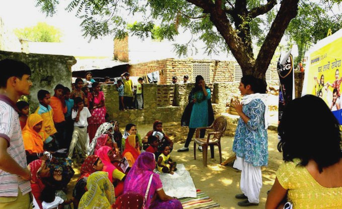 Spreading awareness on solar products in a Rajasthan village (Photo by Frontier Markets)