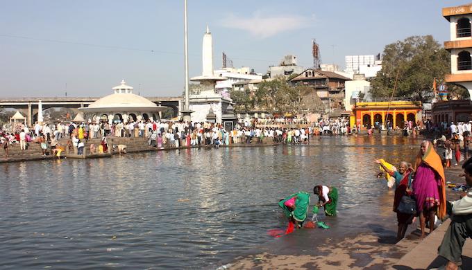 Ramkund on the Godavari in Nashik. (Photo by Arian Zwegers)