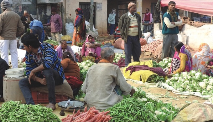 A farmers' market in Gorakhpur. (Photo by GEAG)