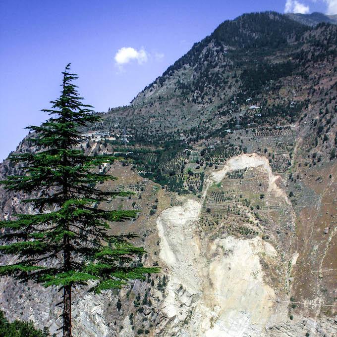 Urni landslide near 1,200 MW Karcham Wangtoo tunnel. (Photo by Sumit Mahar)