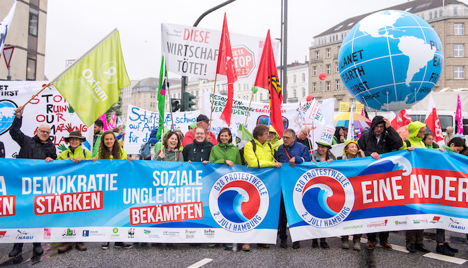 There were large-scale protests against climate change and capitalism at the G20 Hamburg summit. (Photo by Mehr Demokratie)