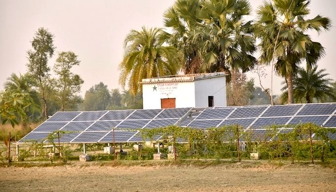 The small solar power plant of Tara Urja proved to be a great help during the Bihar floods. (Photo by Smart Power India)