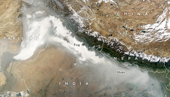 An image of northern India captured on November 8 by the Terra satellite, which circles the earth in a sun-synchronous polar orbit (Photo by NASA)