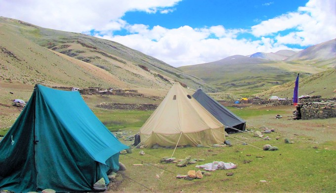 A tented settlement of nomadic families in Kharnak area of Changthang in Ladakh (Photo by Athar Parvaiz)