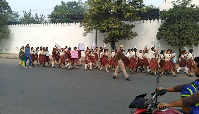 Schoolchildren stage a march to sensitise the public about the harmful effects of firecrackers (Photo by Right to Breathe campaign)