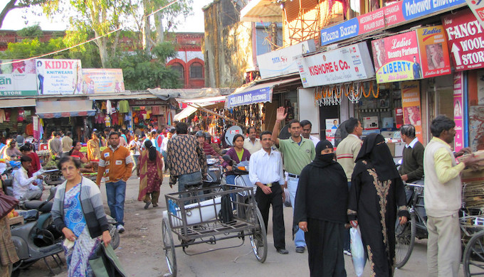 Paltan Bazar, a busy market area in Dehradun city (Photo by Paul Hamilton)