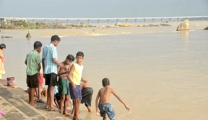 Sambalpur city on the bank of Mahanadi River just downstream of Hirakud dam is most vulnerable in changing climate scenarios (Photo by Ranjan Panda)