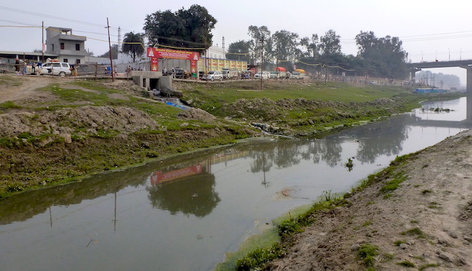 The Mansahita nullah at Prayagraj dumps untreated waste into the Ganga River. Such wastewater drains are common throughout the river basin (Photo by Soumya Sarkar)