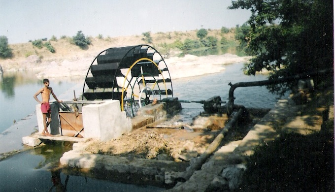 A Mangal Turbine installed on Jamni River in Tikamgarh district of Madhya Pradesh in India's drought-prone Bundelkhand region (Photo by Bharat Dogra)