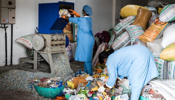 Shredding and sorting plastic waste (Photo by Shailendra Yashwant)