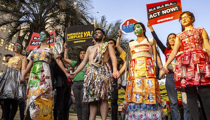 Mass protests force Chile to cancel climate summit