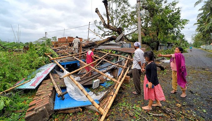 A house demolished by Cyclone Amphan in West Bengal (Photo by Abhishek Das / Alamy)