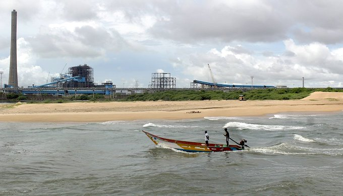 Catches have gone down off Ennore in Tamil Nadu due to the rise in number of polluting industries along the coast (Photo by Sharada Balasubramanian)