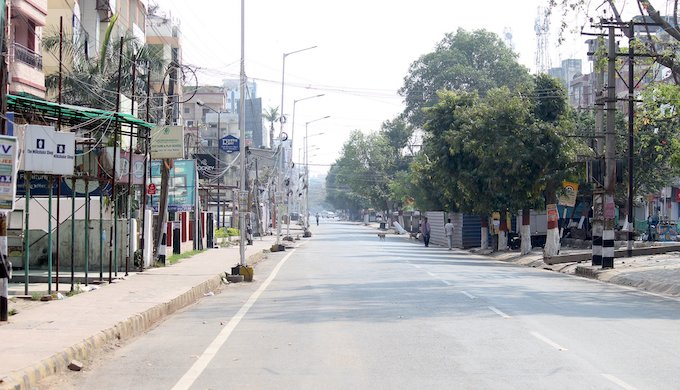 India's lockdown to contain the coronavirus epidemic emptied roads in cities, leading to a marked decrease in air pollution )Photo by Pixabay)