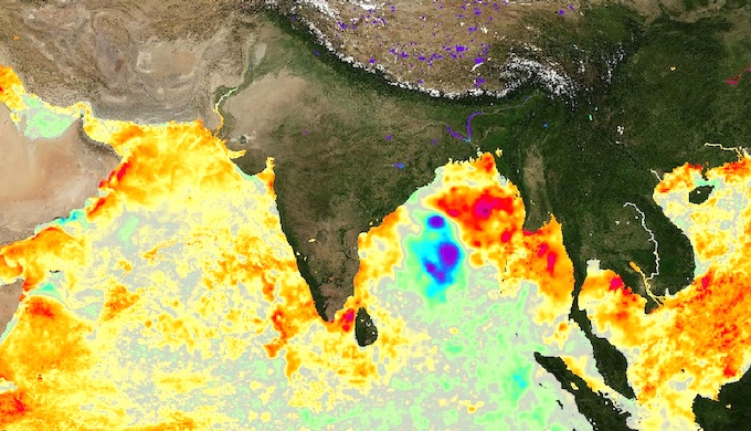 A satellite image showing temperature anomalies in north Indian Ocean on May 19, a day before Cyclone Amphan made landfall in eastern India. There was a variation of more than 2C on May 19 in the Bay of Bengal (Image by PODACC/NASA)