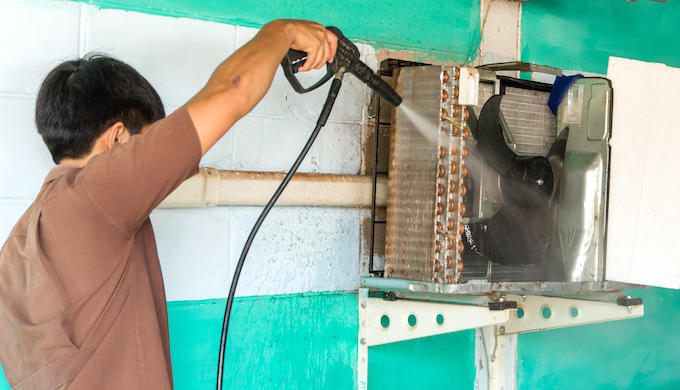 India needs well-trained AC service technicians (Photo by Alamy)